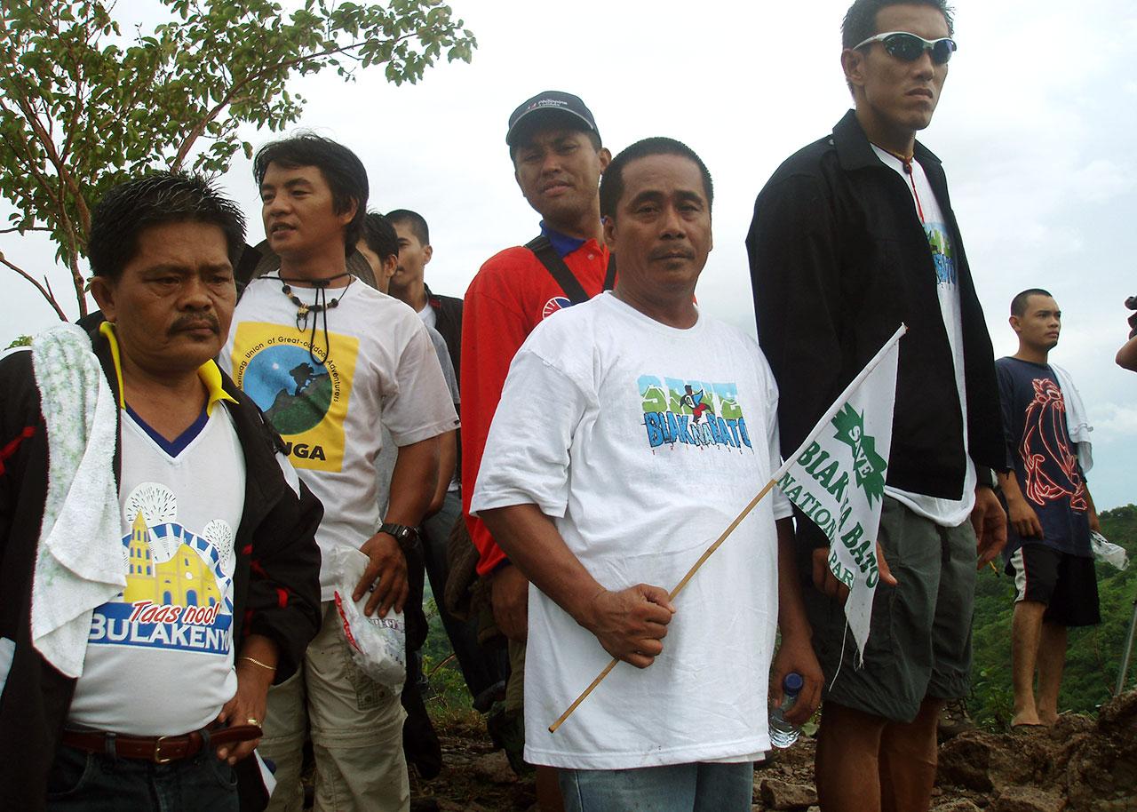 BUNDUK members.